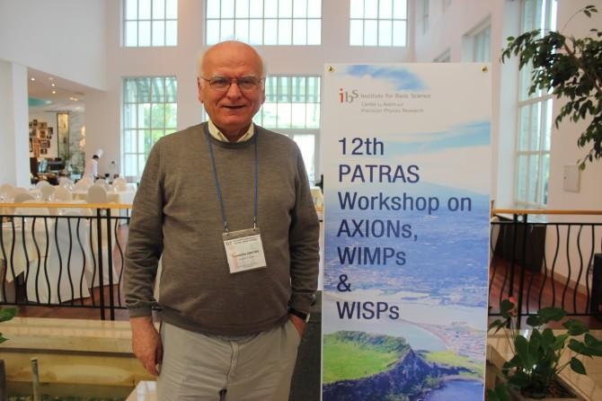 파트라스 워크숍이 열린 20일 제주도 제주시 스위트호텔제주에서 만난 유럽입자물리연구소(CERN)의 콘스탄틴 지우타스 파트라스대 교수. - 제주=송경은 기자 kyungeun@donga.com